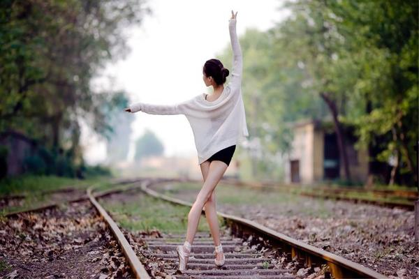 「活动通告」2020.9.20周日下午「舞蹈·铁轨上的芭蕾」外景人像拍摄活动