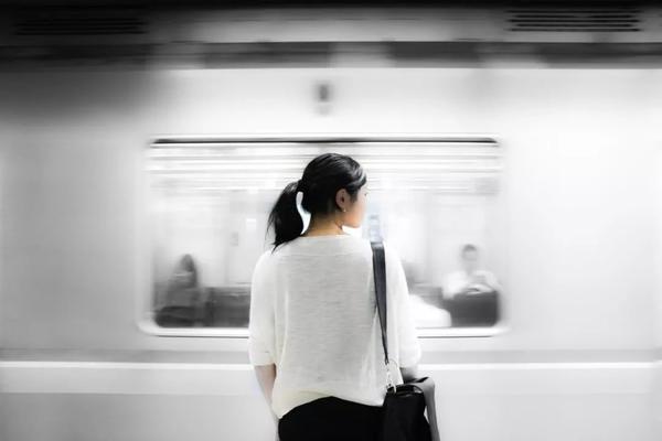 索尼济南活动招募——地铁站情绪人像拍摄